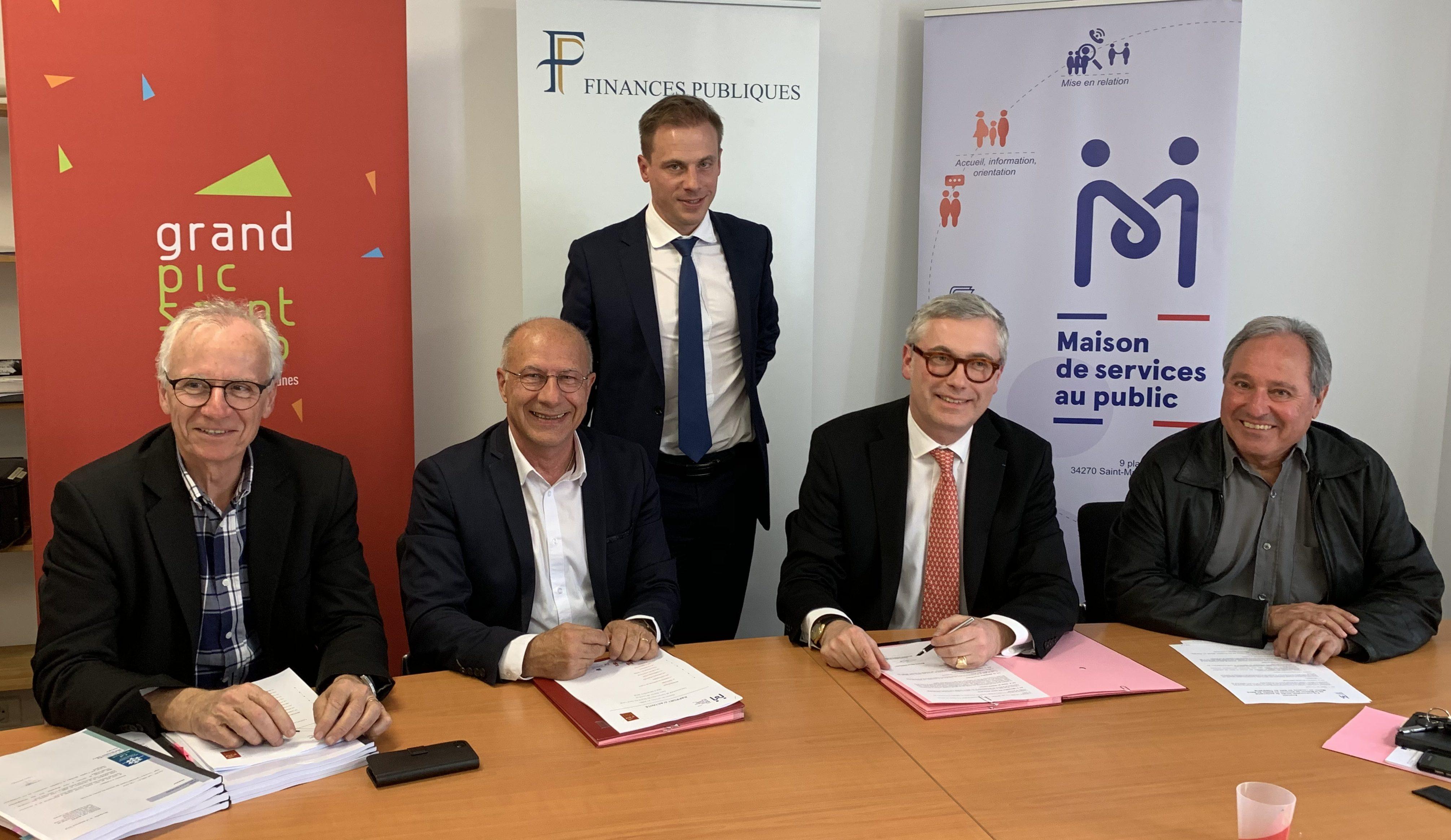 Signature de l'avenant le 1er avril 2019. De g. à d. : Robert Yvanez, Alain Barbe, Jérôme Millet, Samuel Barreault, Jean-Louis Rodier. Photo : CCGPSL