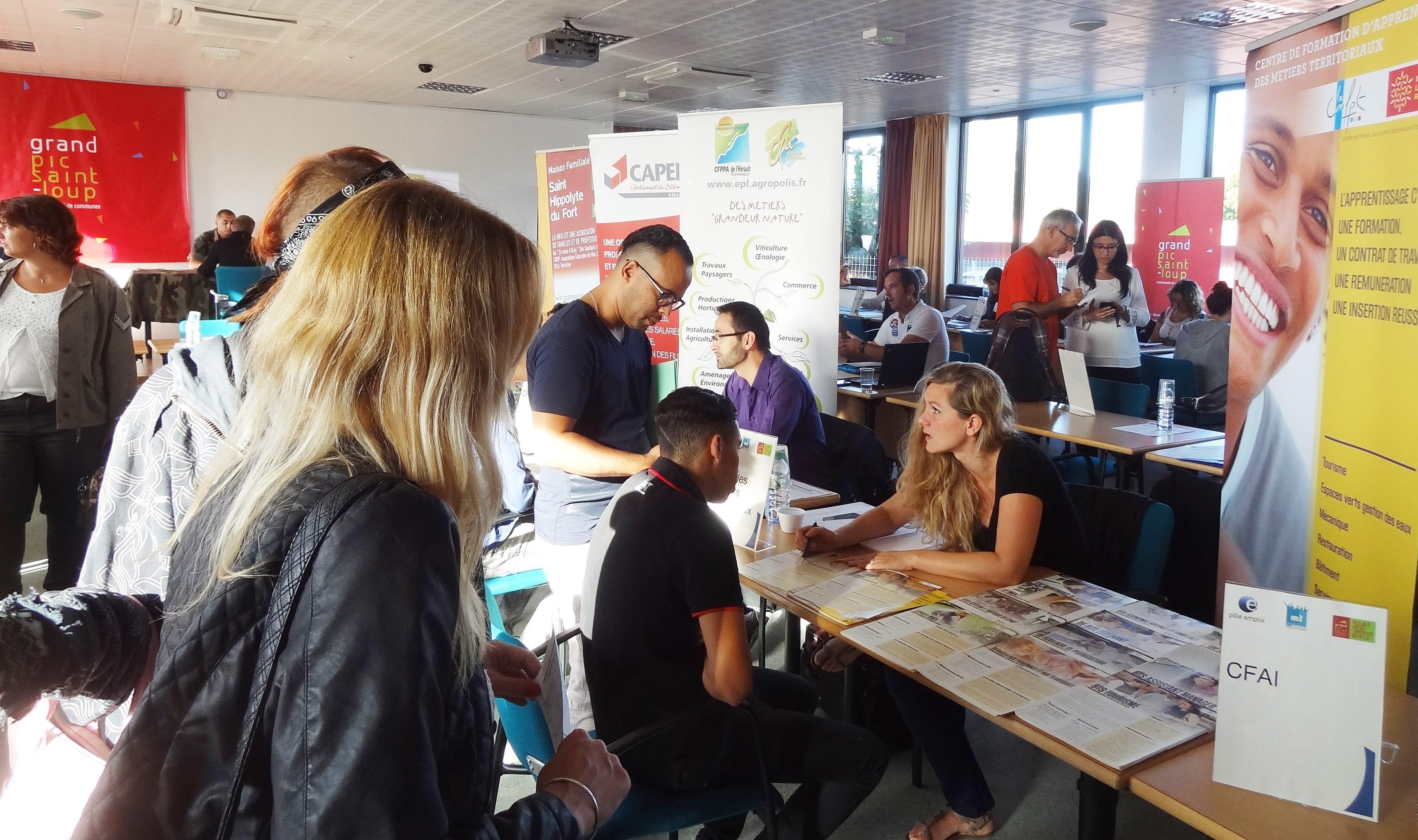 Un forum de l'emploi organisé par la Mission Locale. Photo : Christophe Colrat