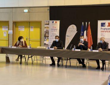 Signature Convention France Services. Photo : CCGPSL