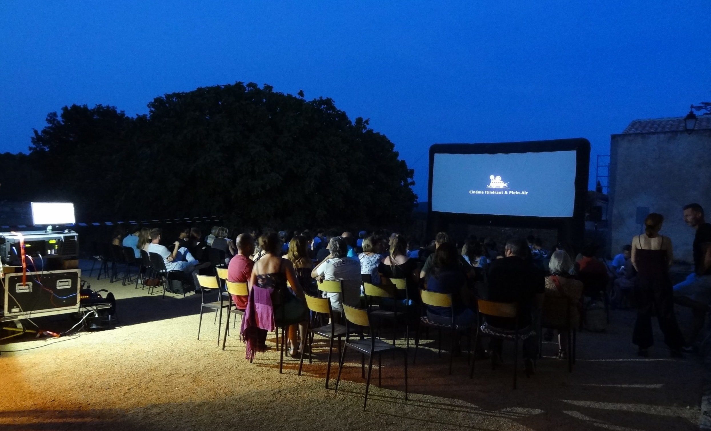 Séance de cinéma en plein air. Photo : Christophe Colrat